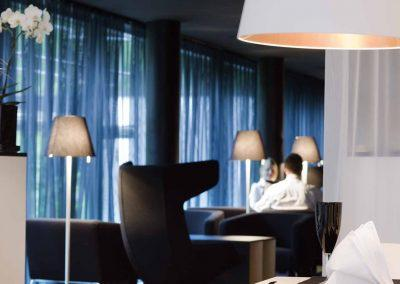 Congress Hotel Mercure Nürnberg an der Messe Lounge eingedeckter Tisch